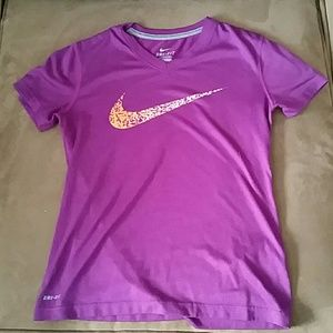 Nike dri fit T